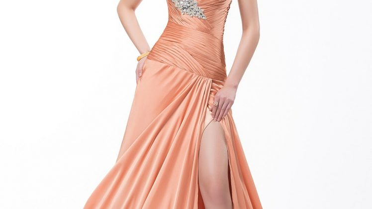 Strategies For Selecting Your Promenade Gown